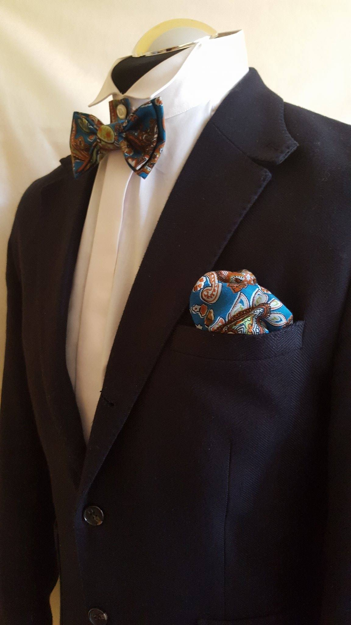 3 Match Your Pocket Handkerchief With Bow Tie A Perfect Looks Tacky And Over Planned However The Square Should Complement