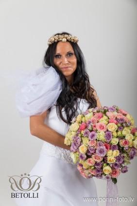 BETOLLI фотосессия_плеча брошь_ аксессуар_женщины_красота_Выделите личность_празднование_празднование_ свадьба_