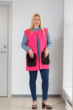 Pink vest with black pockets betolli