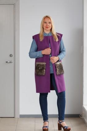 Purple vest with grey pockets betolli