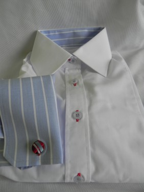 balts-krekls-zilas-krekla-piedurknes-BETOLLI