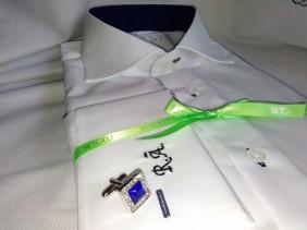 krekls-ar-izsuvumiem-aprocu-pogas-zili-akcenti-betolli