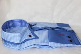 viriesu-krekls-zils-ar-rutim-betolli
