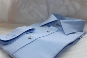 viriesu-krekls-gaisi-zils-ar-izsuvumu-pec-jusu-izmeriem-betolli