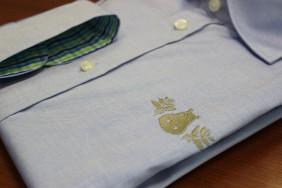viriesu-krekls-koorporativais-logo-izsuts-zils-betolli
