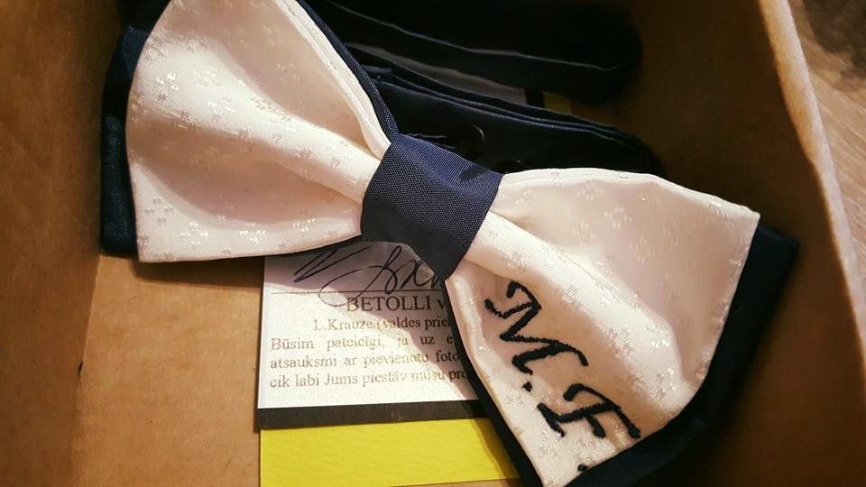 bowtie-initials-perfect-gift-betolli