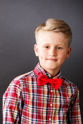 bērnu individuālais tauriņš sarkanā krāsā, svētkiem