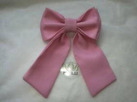 rozā meiteņu tauriņš, piemērots aksesuārs gan blūzēm, gan kleitām