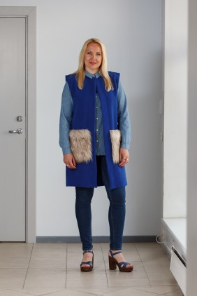 Blue vest with light pockets betolli