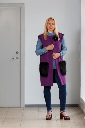 Purple vest with black pockets betolli