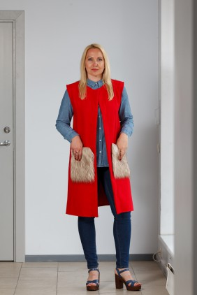 Red vest with light pockets betolli
