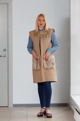 light brown vest light pockets betolli